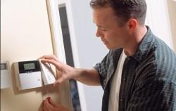 Kapı alarmı ev içi kurulum