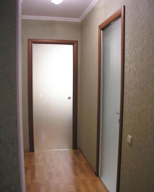 Ahşap kapı kasalı çarpma cam kapısı