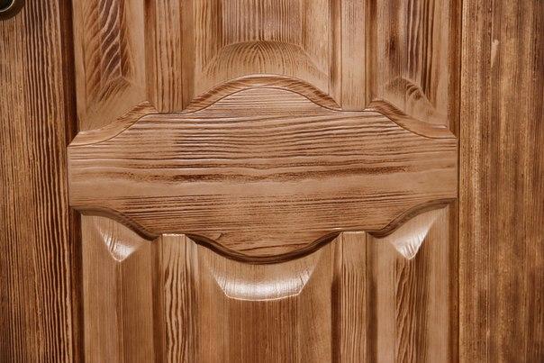 Ahşap kapı fragmanı