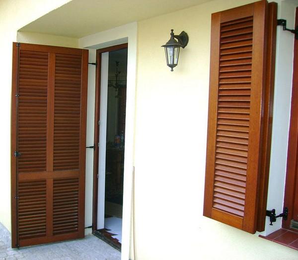 Ahşap panjur kapı fotoğraf