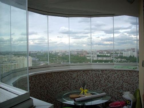 çerçevesiz cam balkon