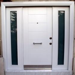 Beyaz çelik kapı