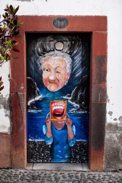 Funchal, Madeira, Portekiz. Kesinlikle, yaratıcı kapı dekorasyonun lideri. Şehrin eski ilçeleri bu şekilde kapı dekorasyonu yapmak için ayrılmış.