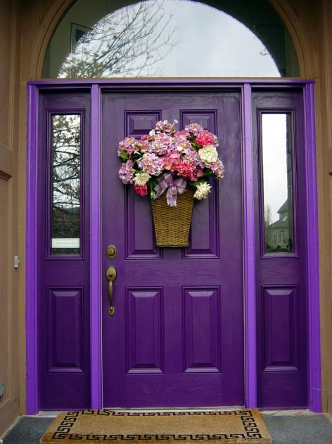 Çift renkli mor kapı modeli