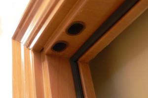Kapı ve pencerelerin ses yalıtım yapımının fotoğrafları